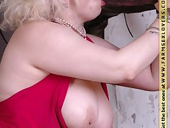 Chubby mature blowjob a huge stallion dick beyond everything farm